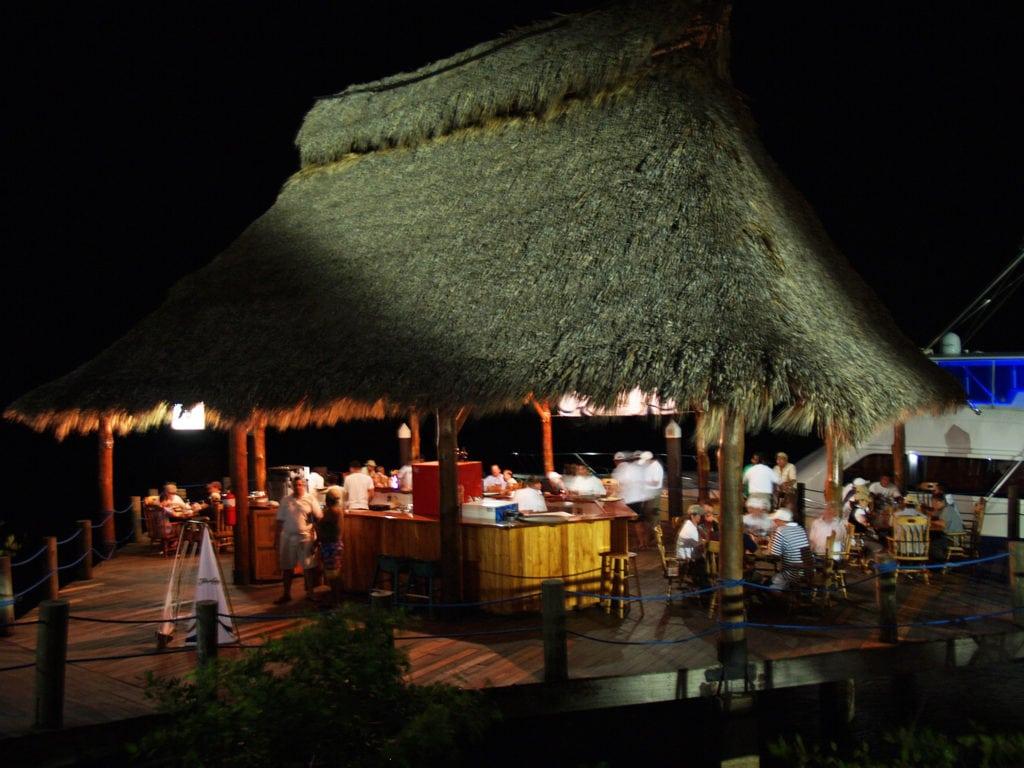 Northern nicaragua restaurants marina puesta del sol for Centro turistico puesta del sol